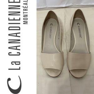 La Canadienne cream leather peep toe wedge 40
